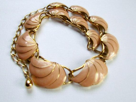 Peach Clamshell Enamel Necklace Trifari 1970s by vintagepaige