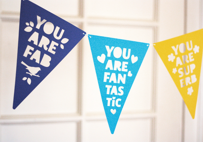 DIY compliment bunting | How About Orange