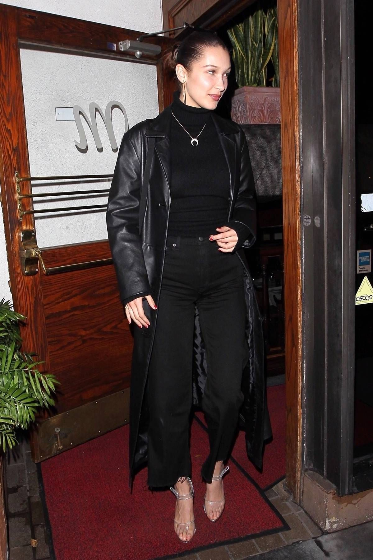 Bella Hadid S 120 Jeans Keep Selling Out Bella Hadid Outfits Leather Jacket Street Style Bella Hadid Style [ jpg ]