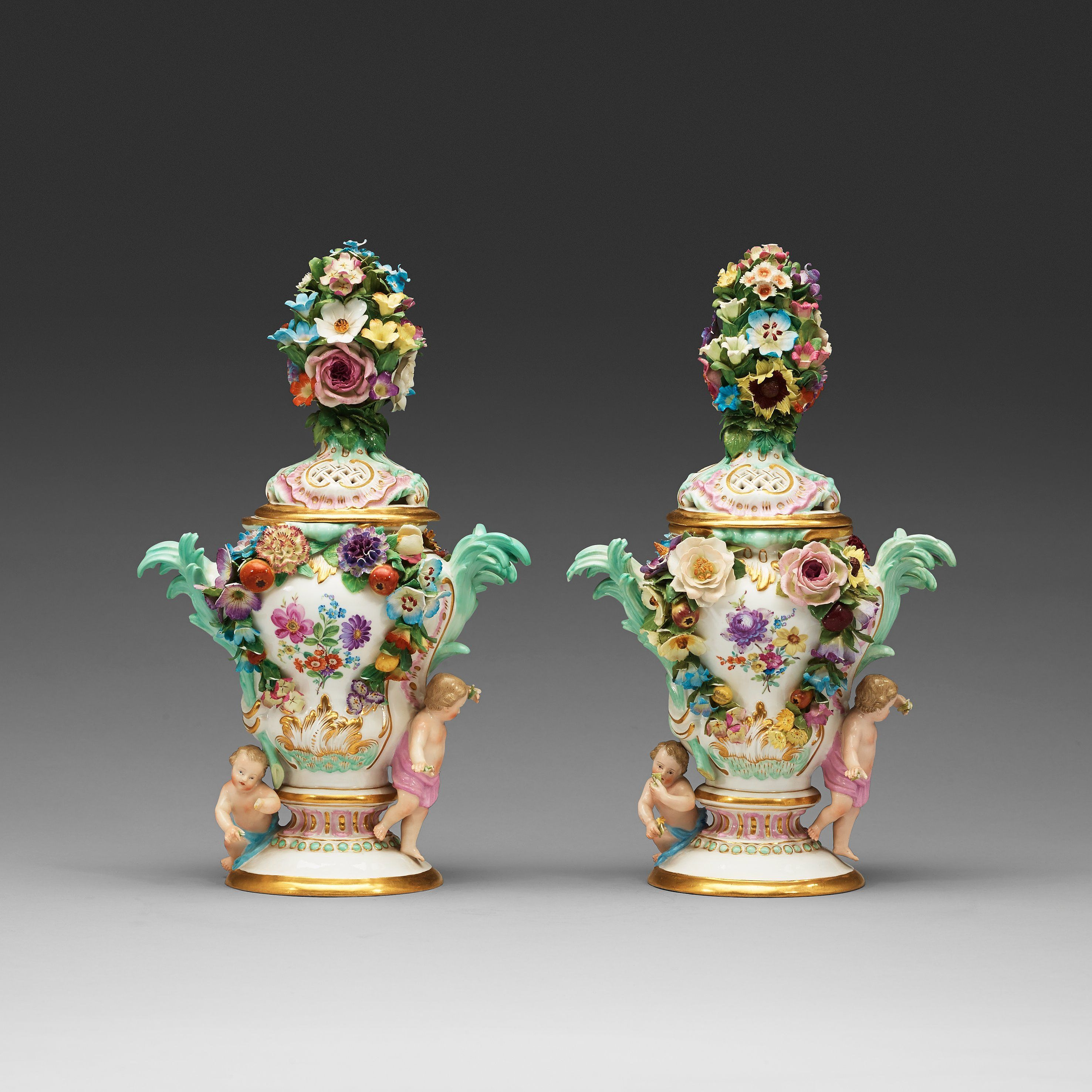 A PAIR OF MEISSEN POT-PURRI JARS WITH COVERS, 19TH CENTURY.