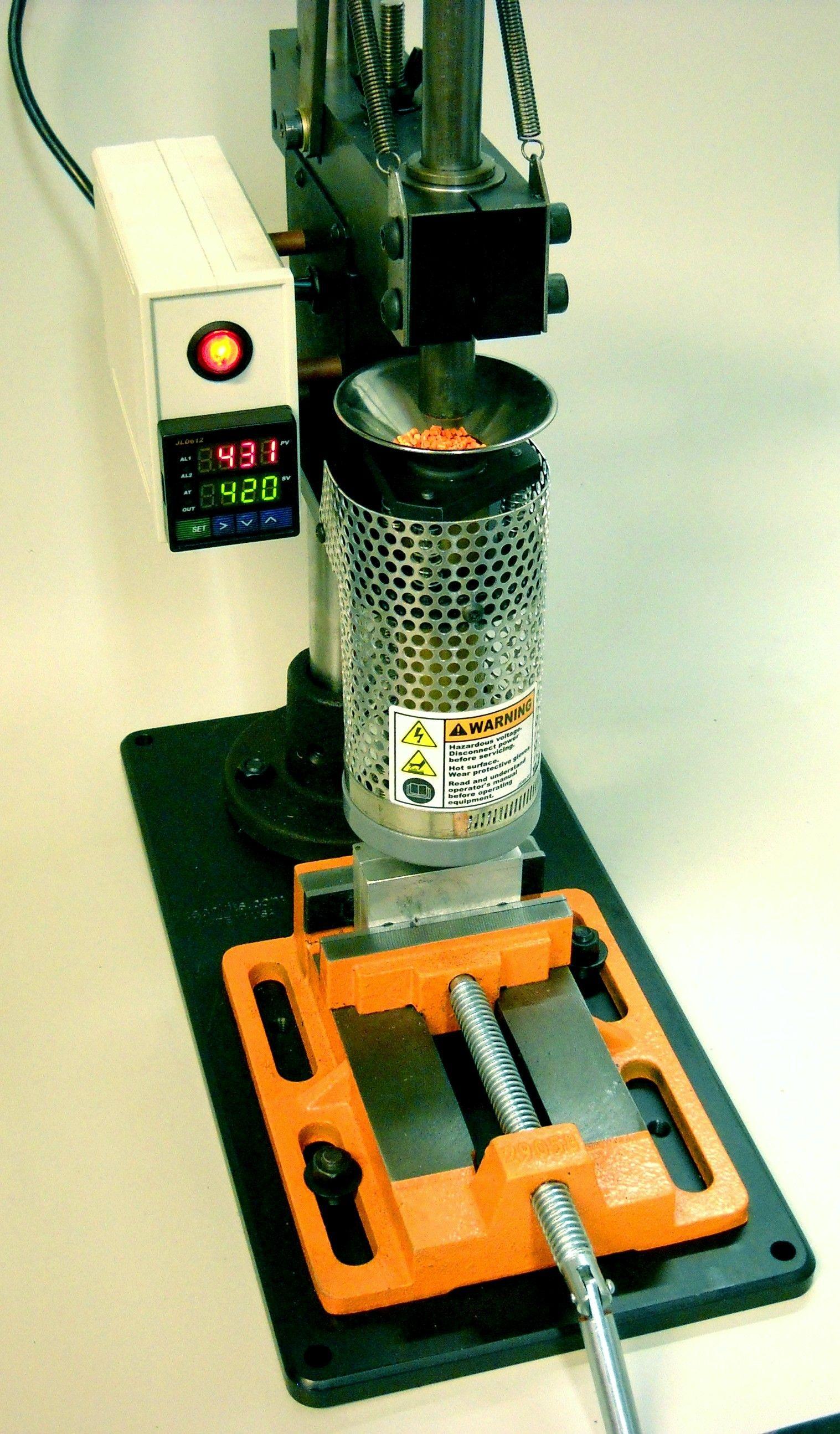 desktop injection molding machine. kickstarter funded. | tool tips
