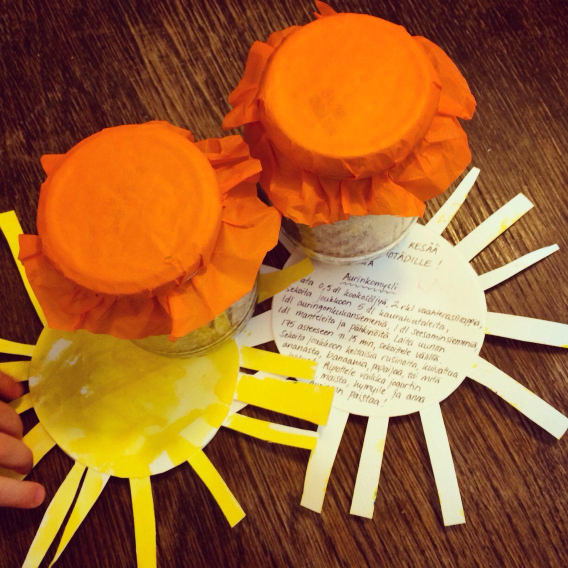 Aurinkomysli ja aurinkokortit kerhotädeille