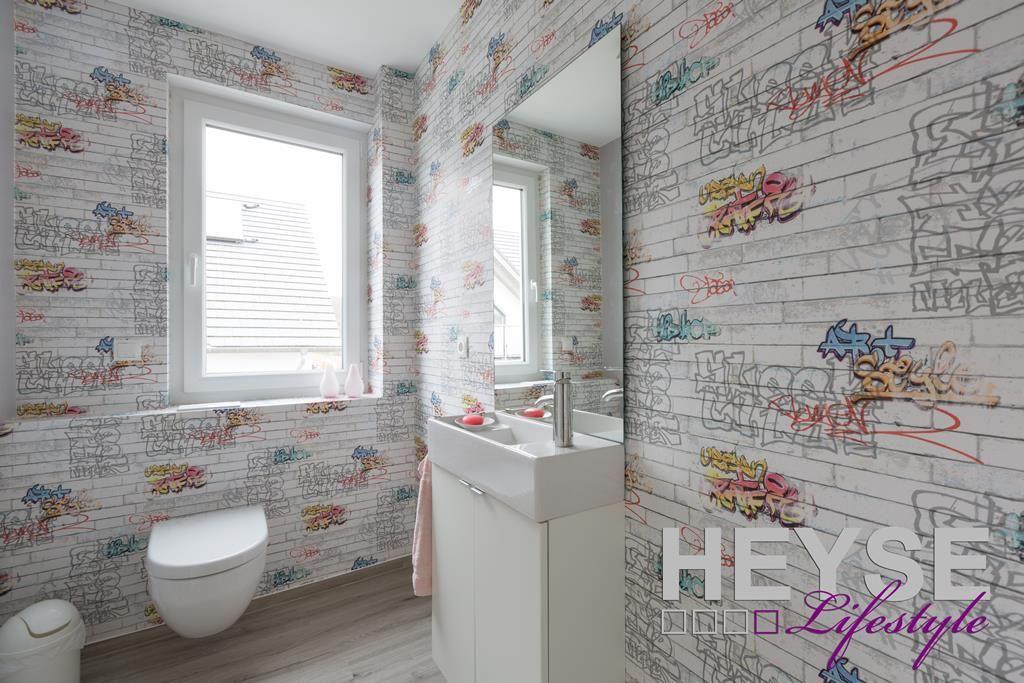 Badezimmer Tapezieren ~ Graffiti tapete gestaltung gäste bad http: www.maler heyse.de