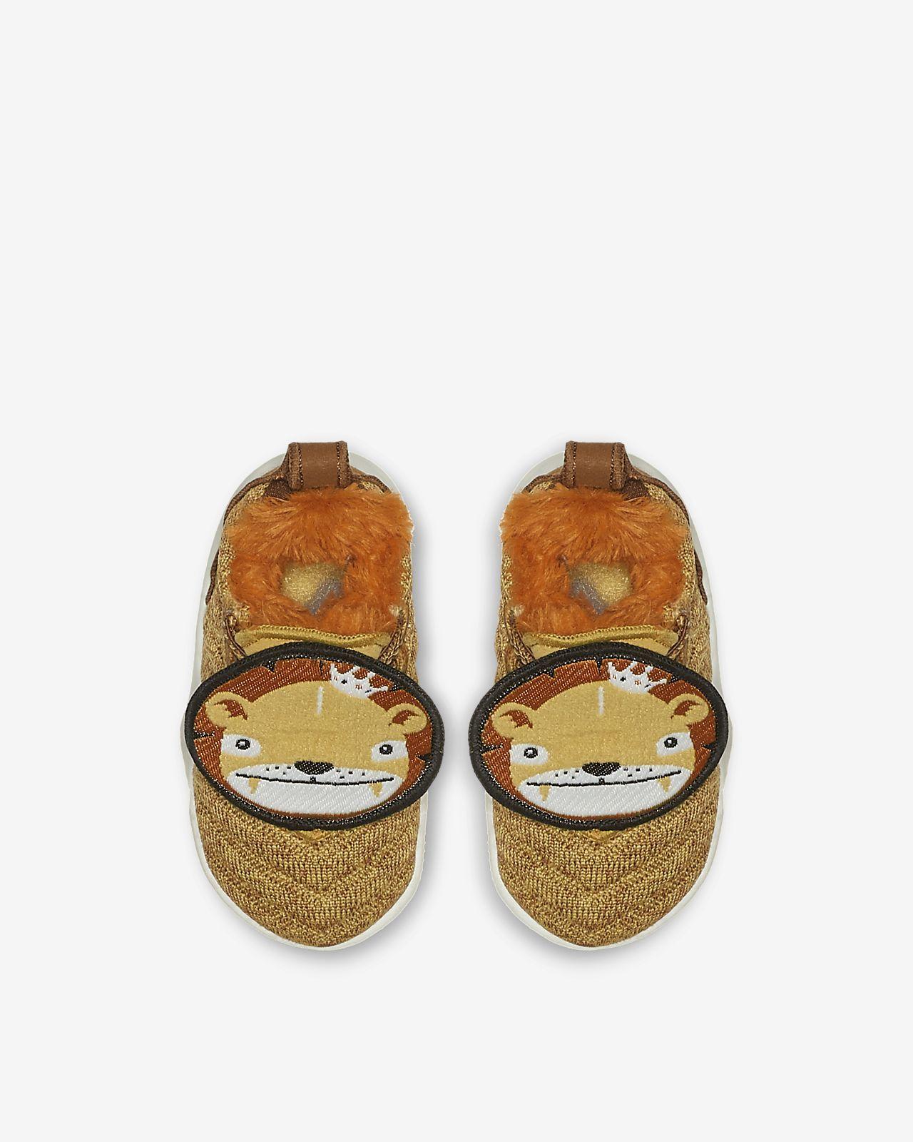 711946c4004 LeBron 16 Little Big Cats Infant Toddler Shoe