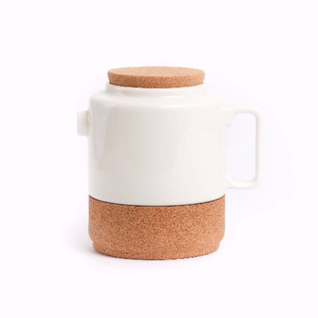 Amorim Soul Mate Tea Pot - Designer Series. This product collection explores the potential of the Portuguese deep tradition of these materials within the universe of contemporary domestic needs.