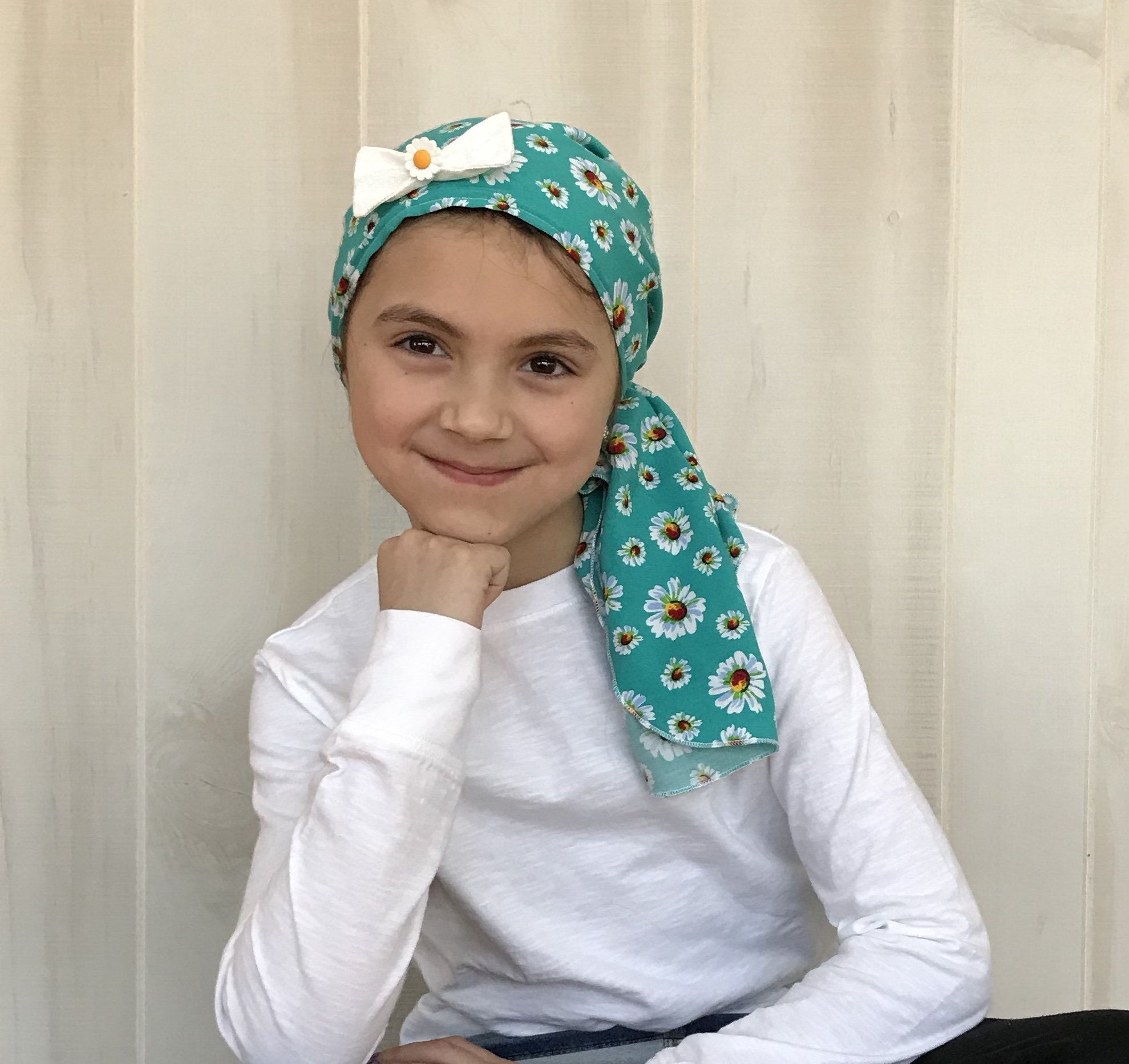 Child's Pre-Tied Head Scarf for children with #hairloss., Girl's #Chemo #Hat, #Cancer #HeadCover, #Alopecia #Headwear, #HeadWrap, #CancerGift, #Green #Daisies #flowers #pretied #headscarf #avascarf #lovemyIHC #childhoodcancer #tieheadscarves