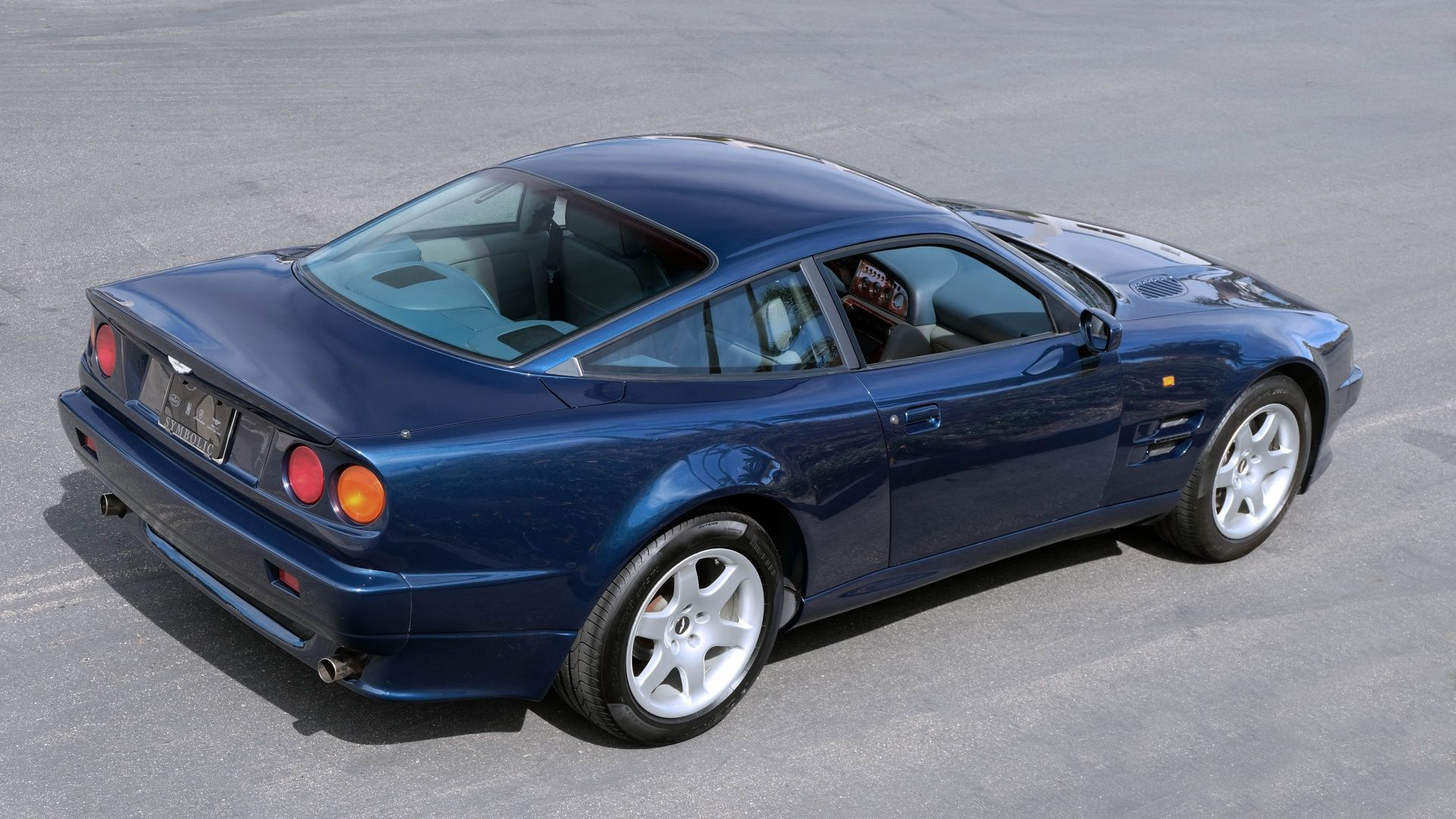 1996 Aston Martin V8 Coupe 12 of 101