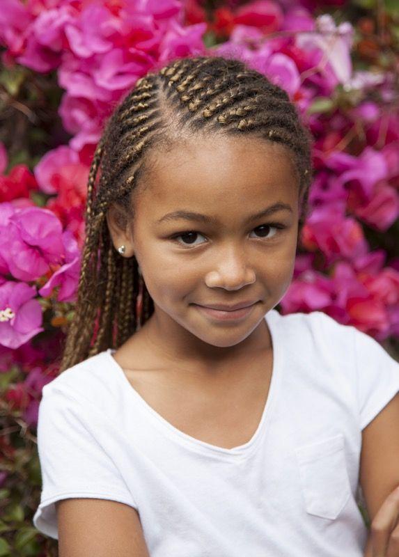 coiffure pour petite fille 25 jolies coiffures. Black Bedroom Furniture Sets. Home Design Ideas