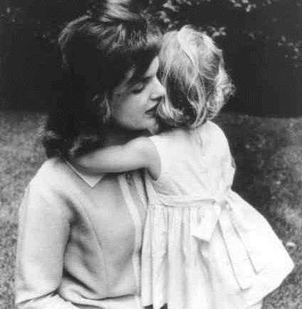 Jacqueline Kennedy and her daughter, Caroline, in 1959.