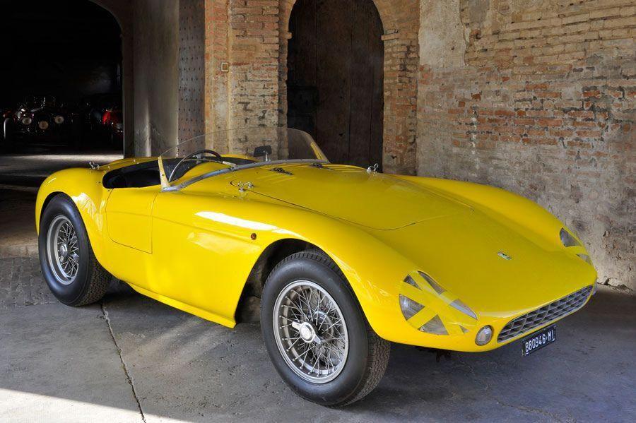 Ferrari 500 MONDIAL Credits Giovinazzo by Turismo