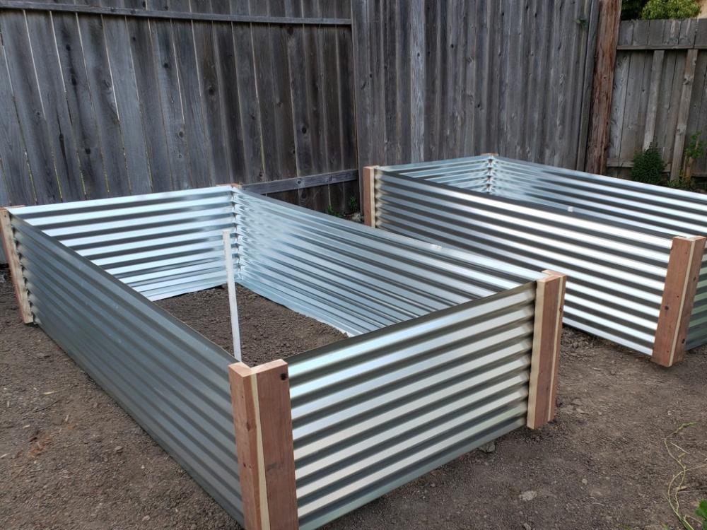 How To Build A Raised Metal Garden Bed In 2020 Mit Bildern Gartenliege Gartenbett Erhohte Gartenbeete