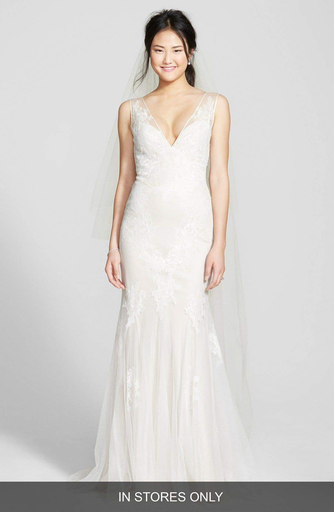 Bliss Monique Lhuillier Chantilly Lace Tulle Gown In Stores Only Nordstrom Plunging Neckline Wedding Dress Monique Lhuillier Bridal Tulle Gown
