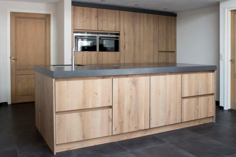 Moderne Greeploze Keuken : Massief eiken moderne greeploze keuken op maat gemaakt küche