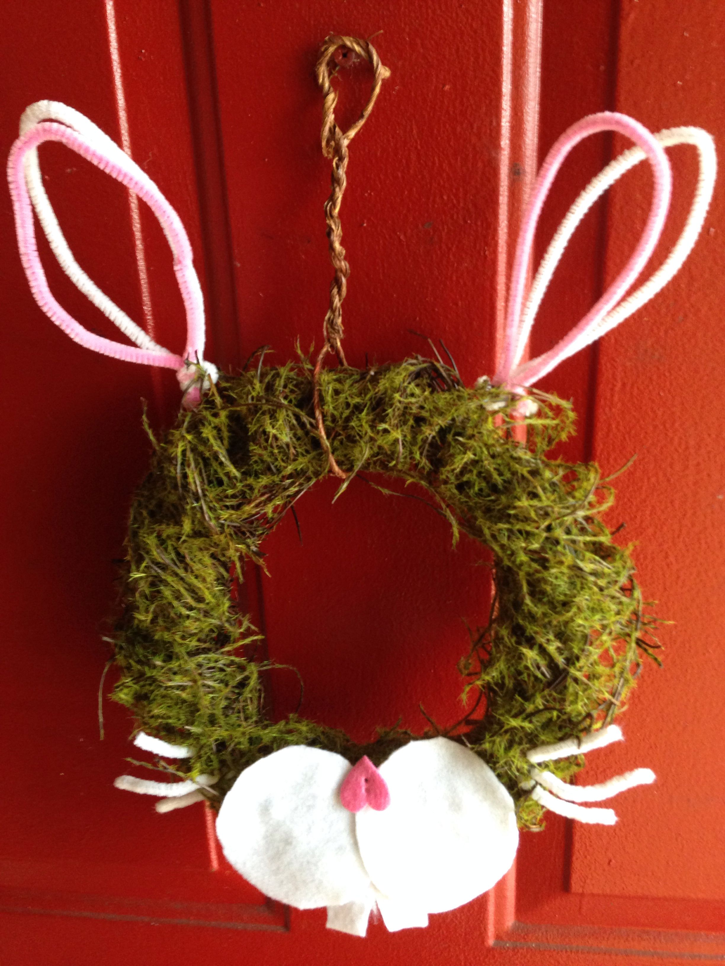 Simple DIY Easter Wreath