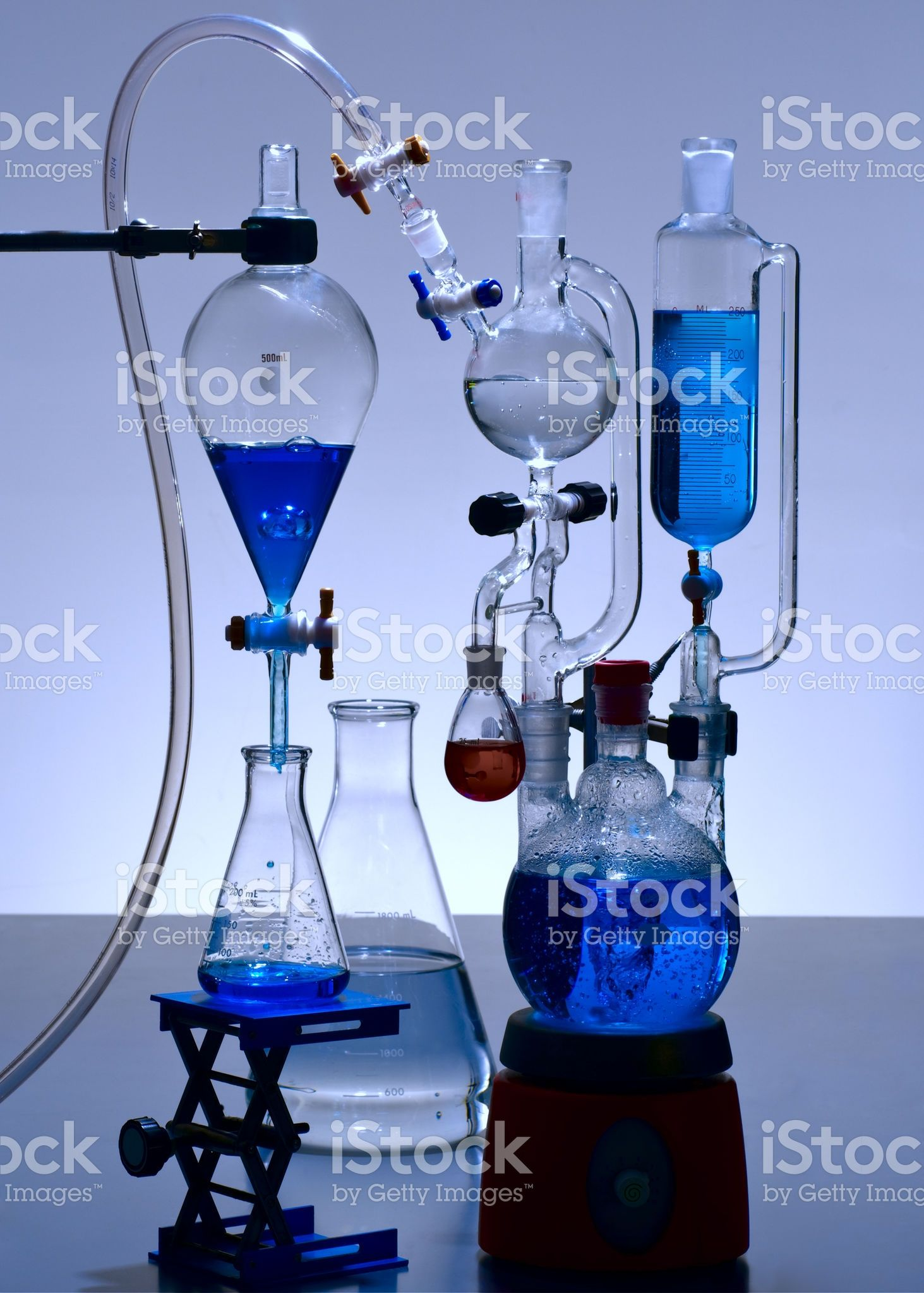 Chemical Laboratory Glassware With Blue Solutions Laboratory Design Chemistry Laboratory Science