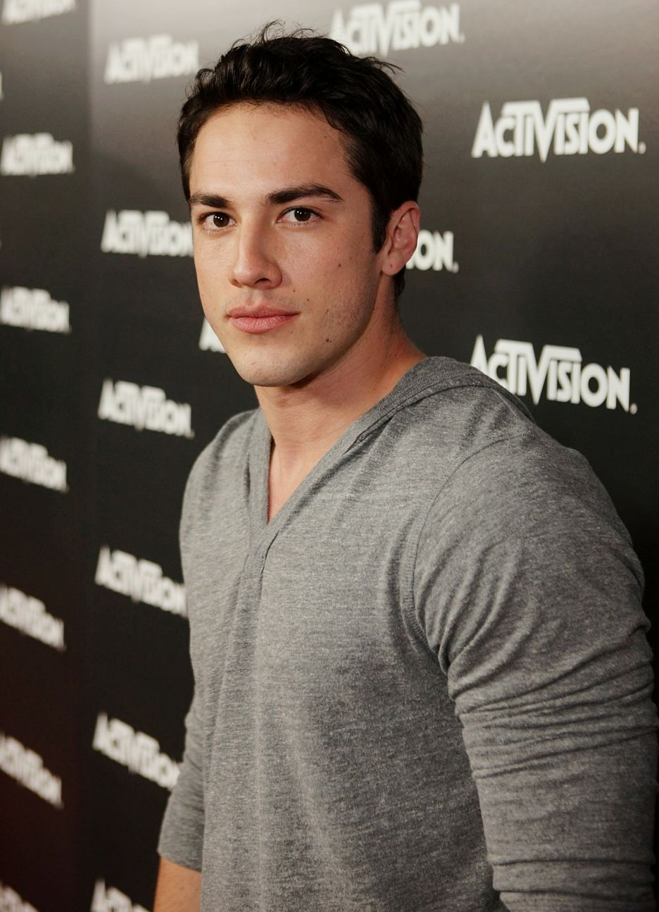 who michael trevino dating See all michael trevino's marriages, divorces, hookups, break ups, affairs, and dating relationships plus celebrity photos, latest michael trevino news, gossip, and biography.
