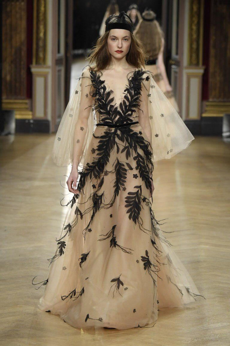 Pregnant wedding dress fail  Pin by Nimferia on Fashion hairstyles costumes makeup  Pinterest
