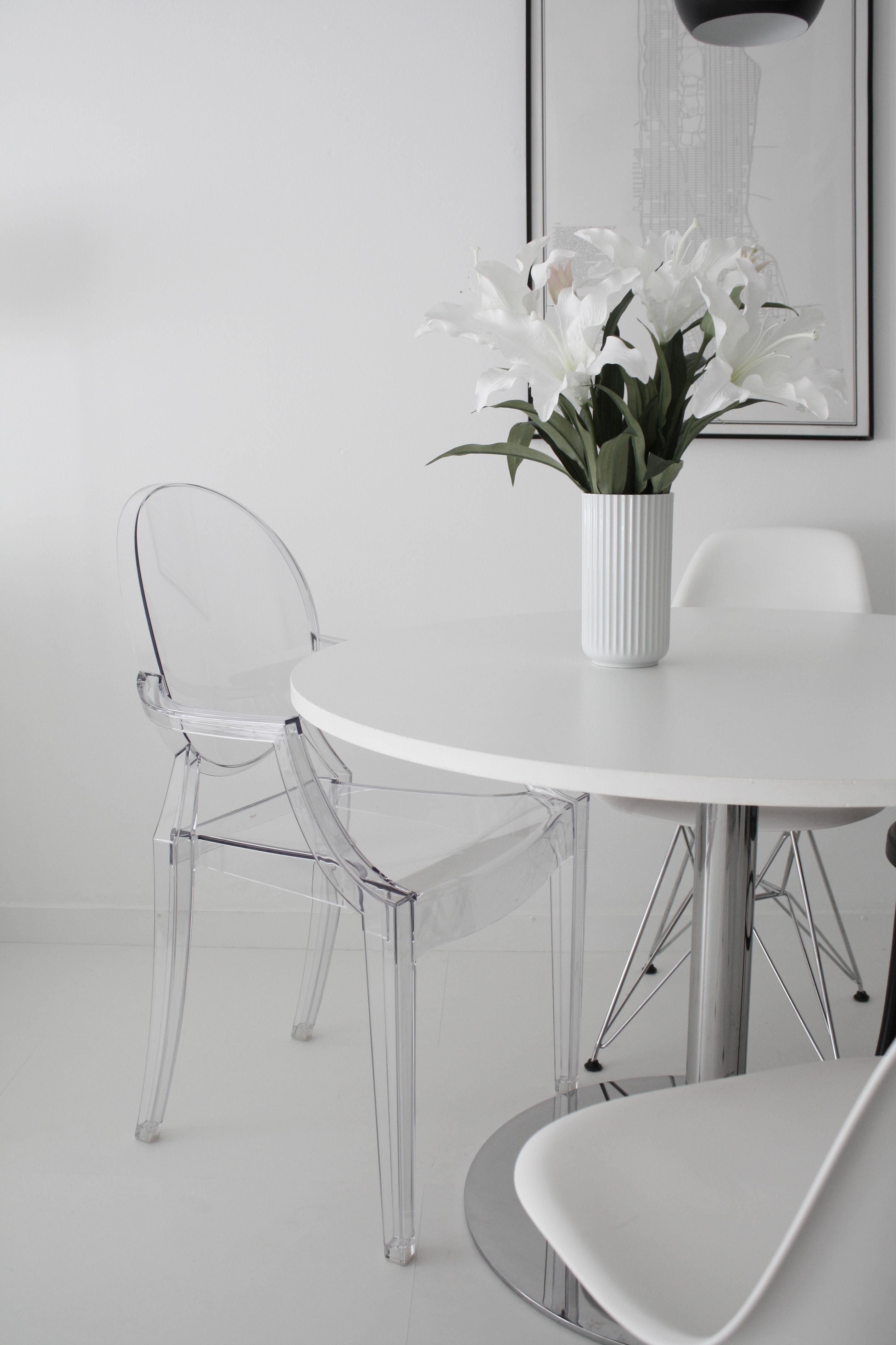 Kartell Eetkamer Stoel.Kartell Louis Ghost Eetkamerstoel In 2019 Dining Room Chair