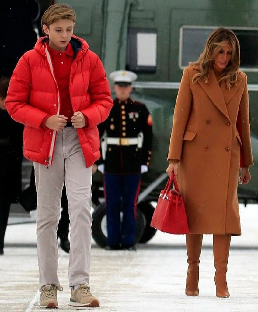 Look How Tall Barron Is Flotus Melania Trump And Her Son On February 1 2019 Trump Fashion Milania Trump Style First Lady Melania Trump