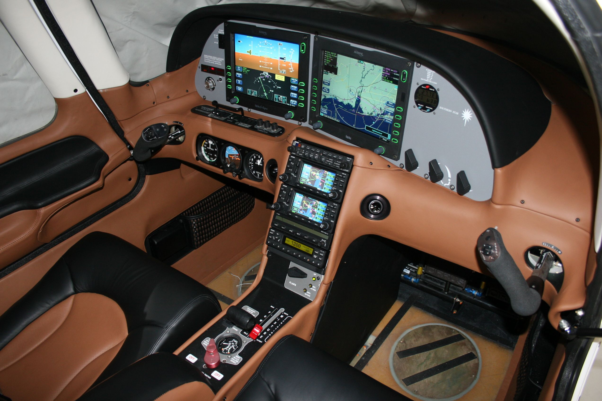 Leather Interior Of A Cirrus Sr 22 Like The Interior Of A Luxury