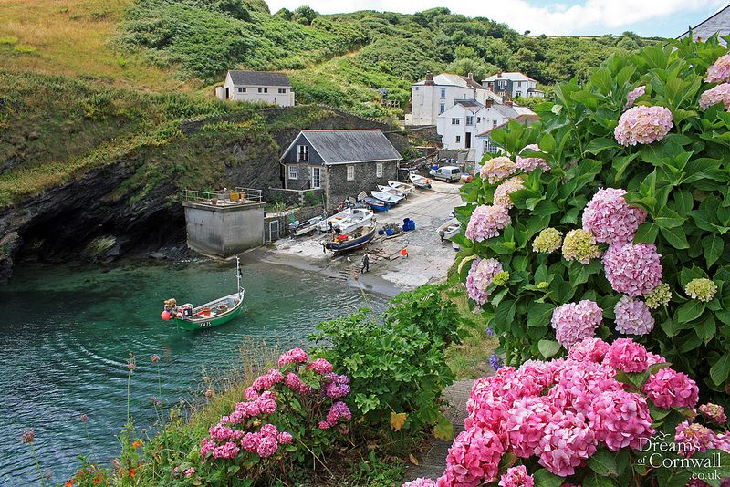 Portloe, Roseland Peninsula, Cornwall | by www.dreamsofcornwall.co.uk