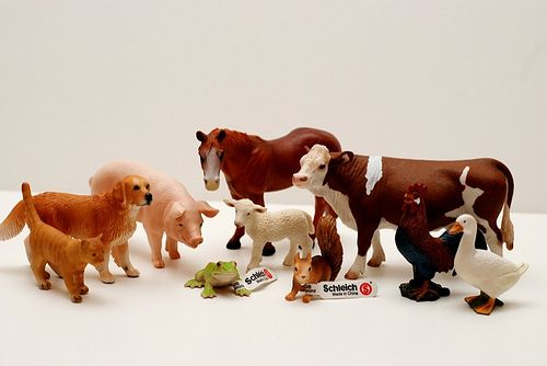 RaJen Review: Schleich Toys