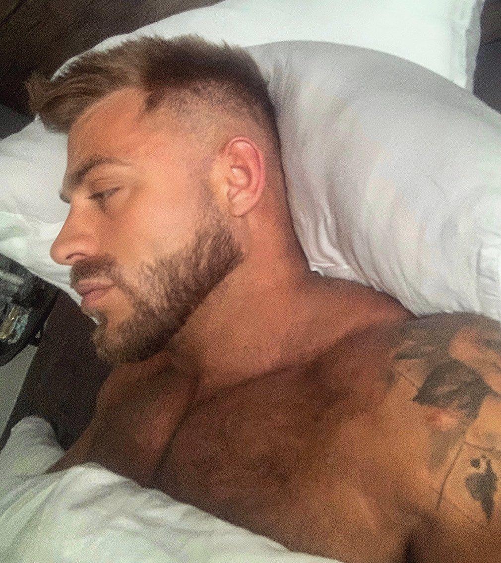 TUESDAY MORNINGS 💎✍🏼 • • • • #tuesday #tuesdayvibes #selfisolation #mensphysique #gym #gymmotivation #bodybuilding #progress #tattoosleeve #gay #gayboy #gayguy #gaymen #gayhunk #gaystud #gayuk #gaymusclebear #gaymuscle #fitness #fit #gaysnap #gayhot #daddy #gaydaddy #weho #beardedgay