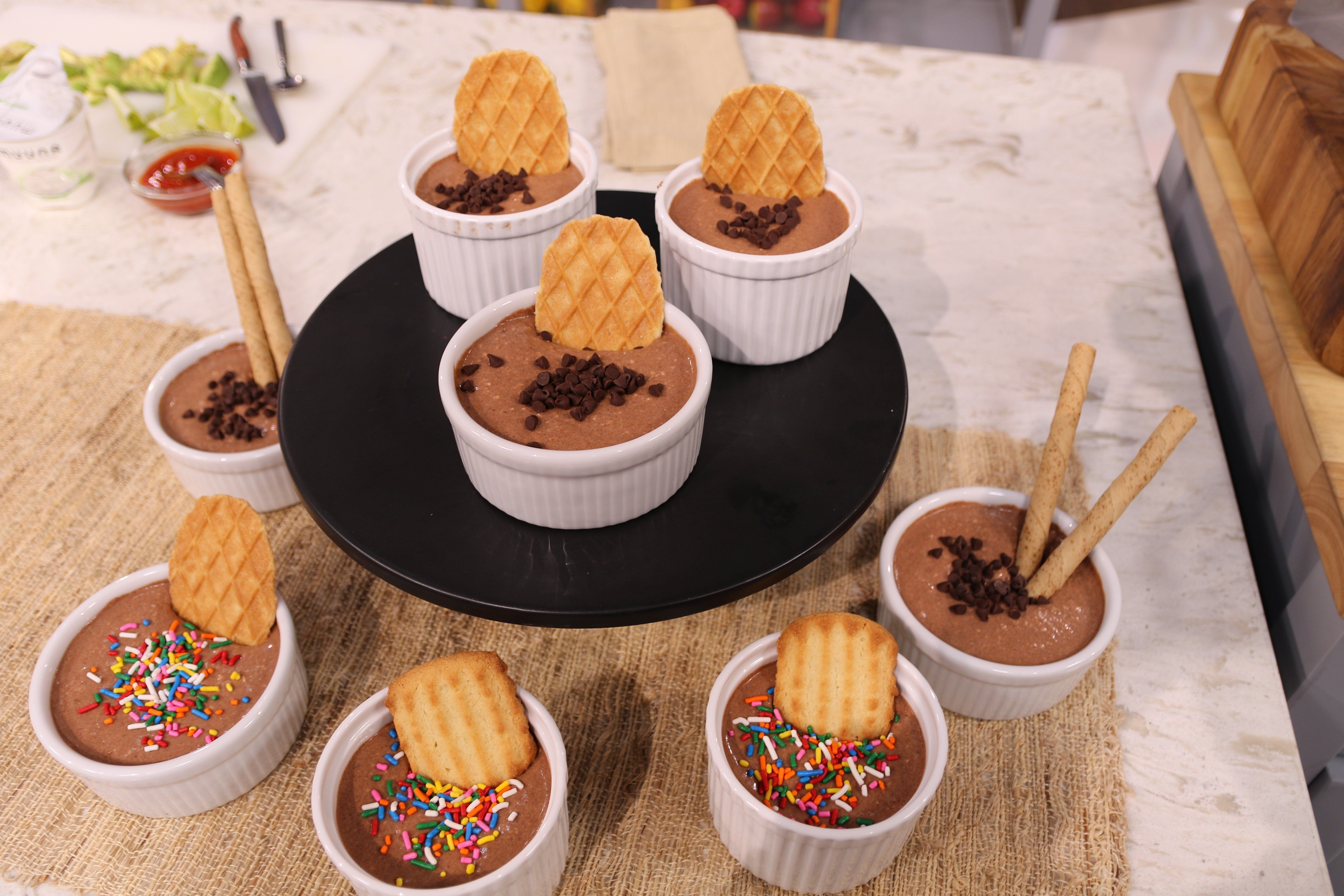 Watch lifestyle expert @alisondeyette  make three tasty recipes using Muuna cottage cheese on @accesshollywood   LIVE: Apple & Cottage Breakfast Parfait, Mexican Style Tortilla with Muuna, and Chocolate Cheesecake Dip from @whattheforkblog.