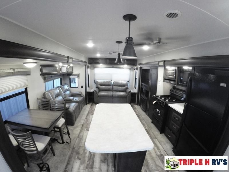 Check Out This 2017 Palomino Puma Destination Trailers 38rlq