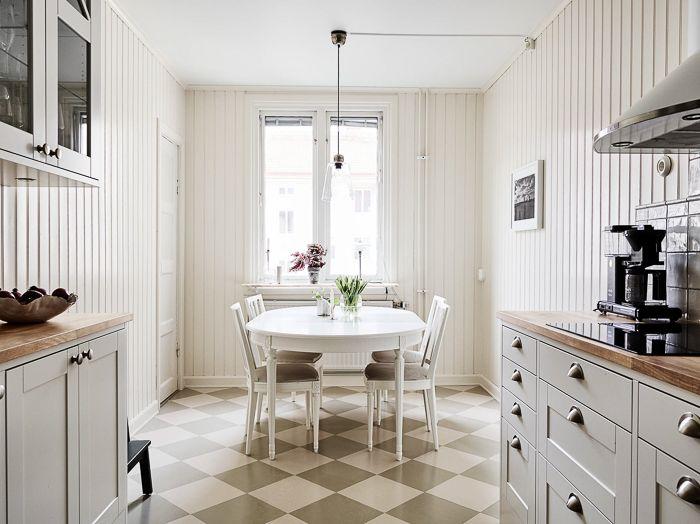 Decoracion una cocina vintage en tonos crema en un piso for Decoracion piso vintage