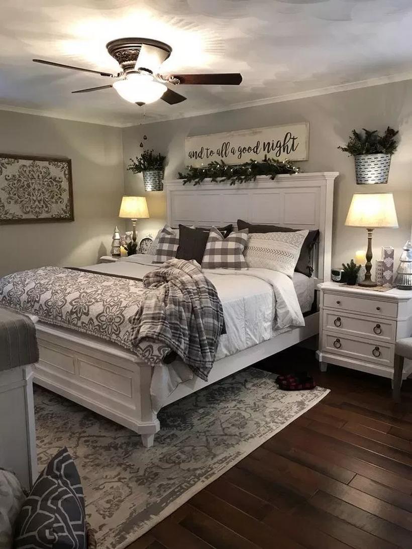 57 Cozy Farmhouse Bedroom Ideas For The Latest Style Designs Small Master Bedroom Farmhouse Bedroom Decor Master Bedrooms Decor