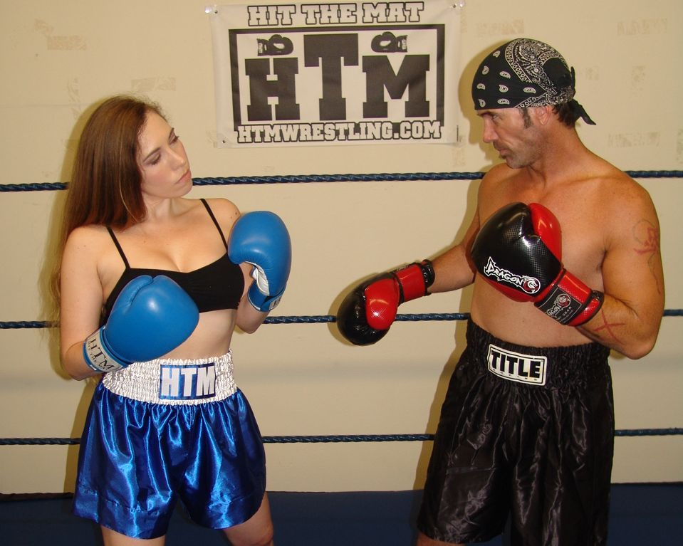 Pin By Hit The Mat On Mixed Boxing Box Boxing Girl