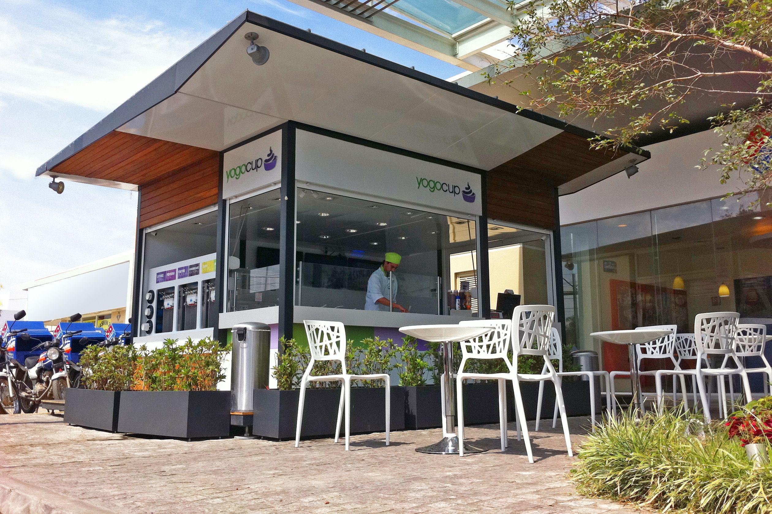 Yogocup Diseño de quiosco para plaza comercial en Zapopan