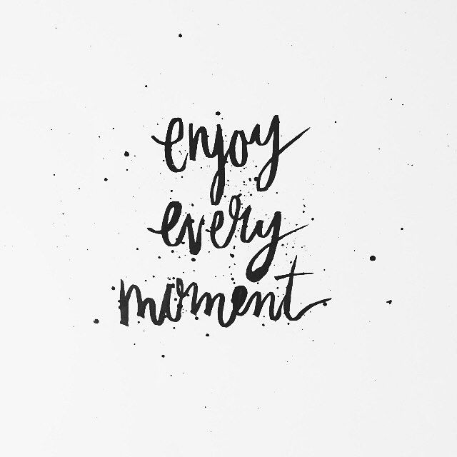 enjoy every moment typography pinterest spr che zitat und fotowand. Black Bedroom Furniture Sets. Home Design Ideas