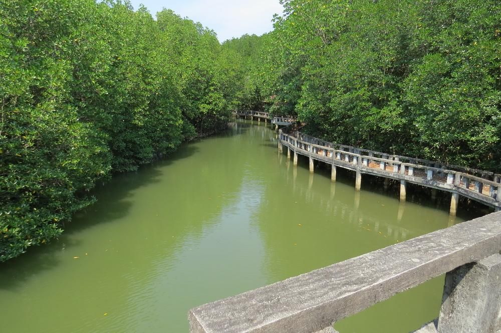 Salak Pet Bay (village) - Ko Chang, Thailand