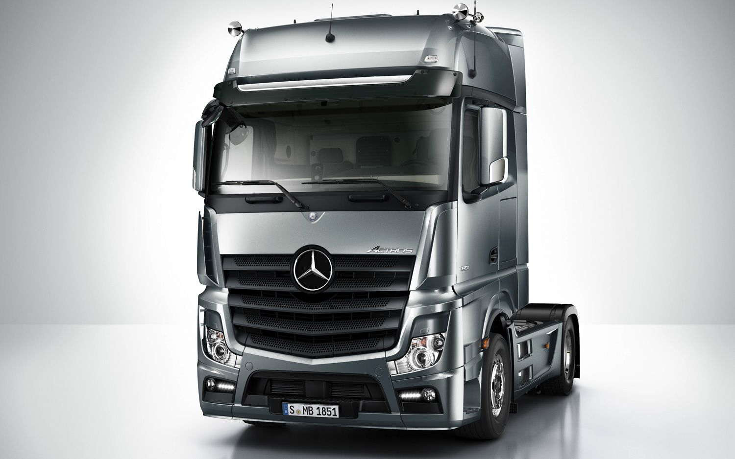 Mercedes actros design pinterest truck transport for Mercedes benz semi trucks