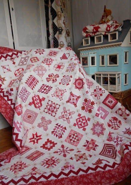 De laatste quilt die vrolijk de wasmachine in springt,is de Nearly Insane,ooit in 1870 ontworpen en gemaakt door Salinda Rupp,en Liz Lois heeft daar een patronenboek van samengesteld.(klik eventueel