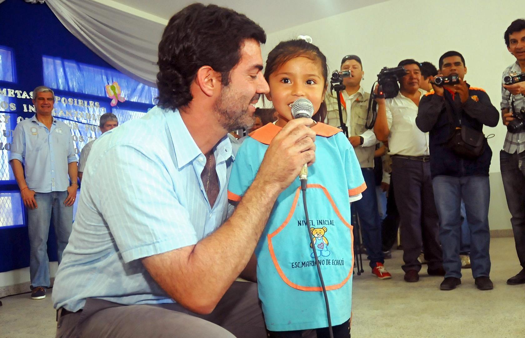 Juan Manuel Urtubey encabezó el acto de inauguración del edificio para el nivel de educación inicial 4176 Mariano Echazú. Obra que se llevó a cabo a través del Fondo de Reparación Histórica y beneficia a más de 200 niños residentes en Misión Chorote, Tartagal