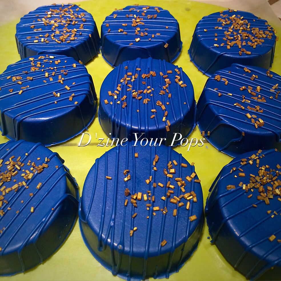 Blue and gold chocolate covered oreos Chocolate covered