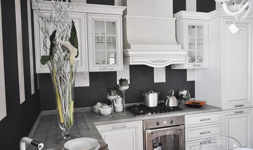 Cucine classiche by arredo 3 r2 love your home pareti for Cucine classiche arredo 3