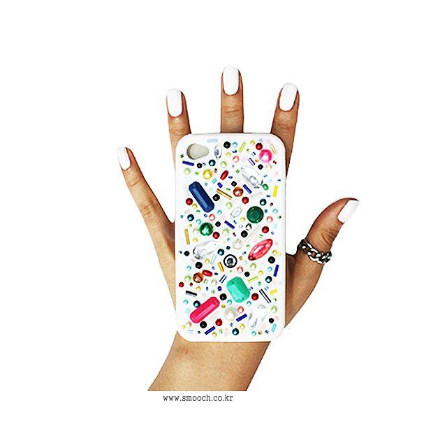 스무치 _ 아이폰케이스 _ BEADZ BIRD IPHONECASE #스무치 #커스텀폰케이스 #핸드메이드폰케이스 #아이폰케이스 #smooch #handmade #customphonecase #iphonecase #uniquephonecase #beads #beadzbird #white
