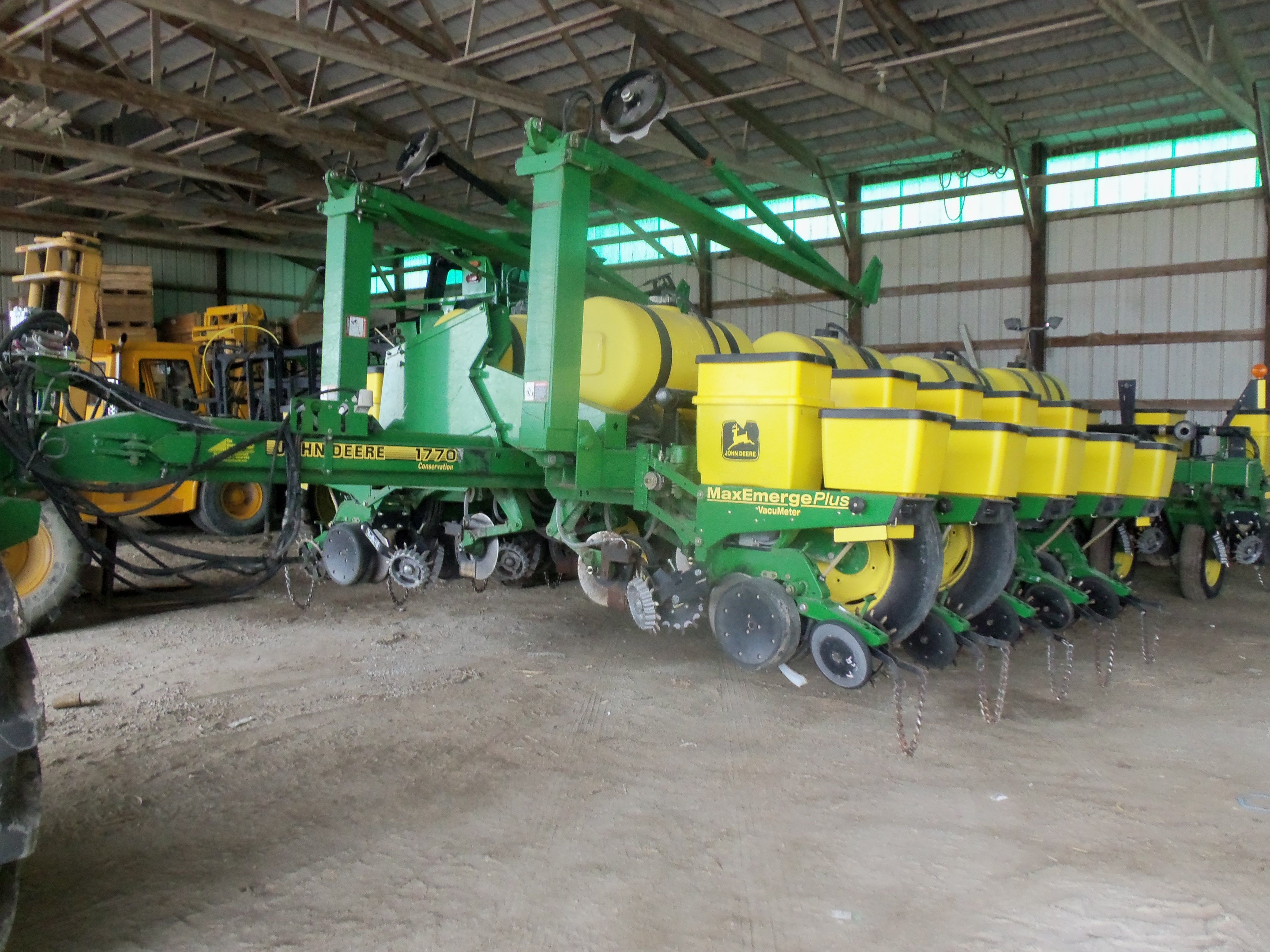 16 Row John Deere 1770 Max Emerge Plus Corn Planter John Deere