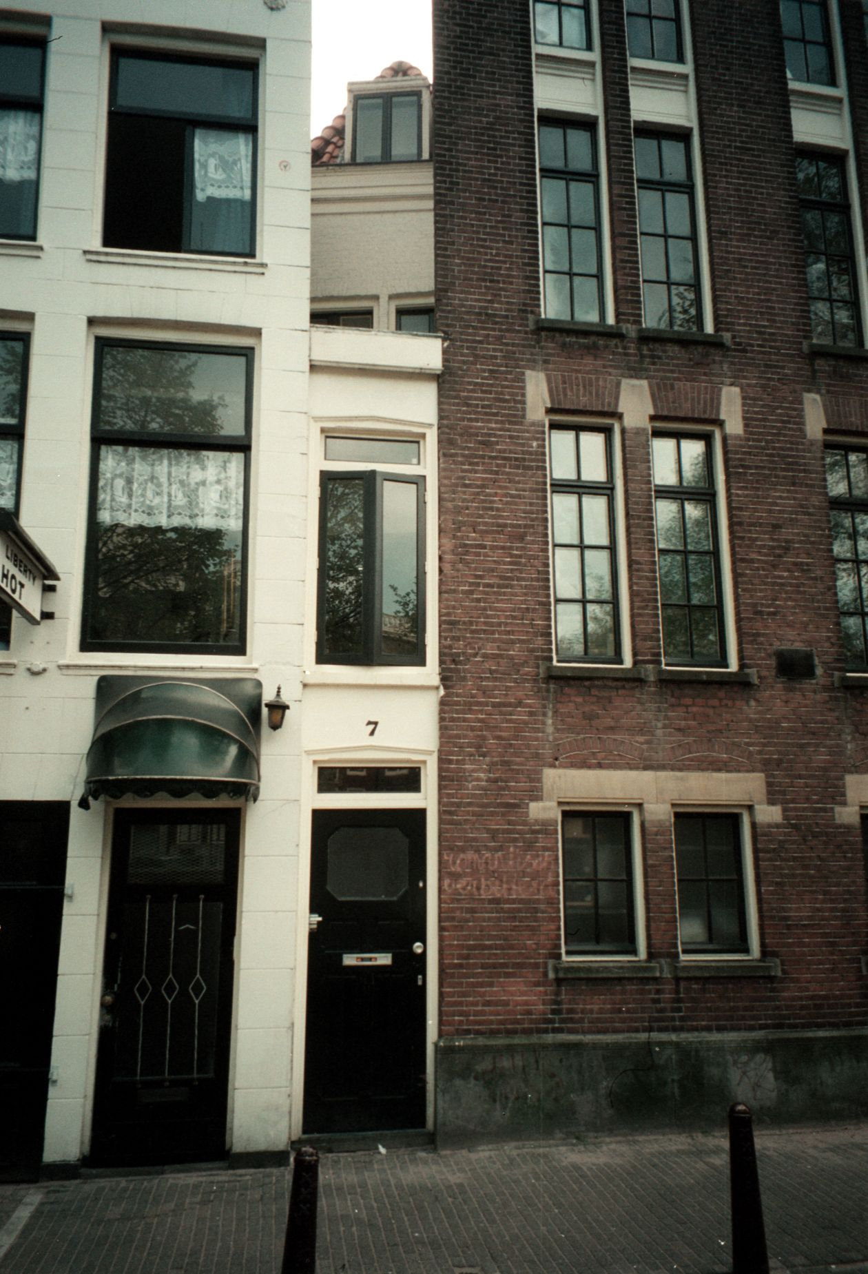 Most Narrow House In The World Singel 7 Amsterdam Amsterdam Houses Holland Cities Amsterdam Canals