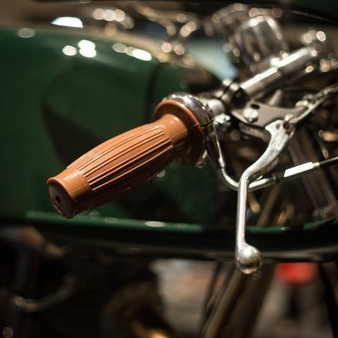 Posh Barrel Grips 7 8 Custom Cafe Racer Grips Build A Bike