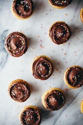 tahini cupcakes with chocolate tahini frosting