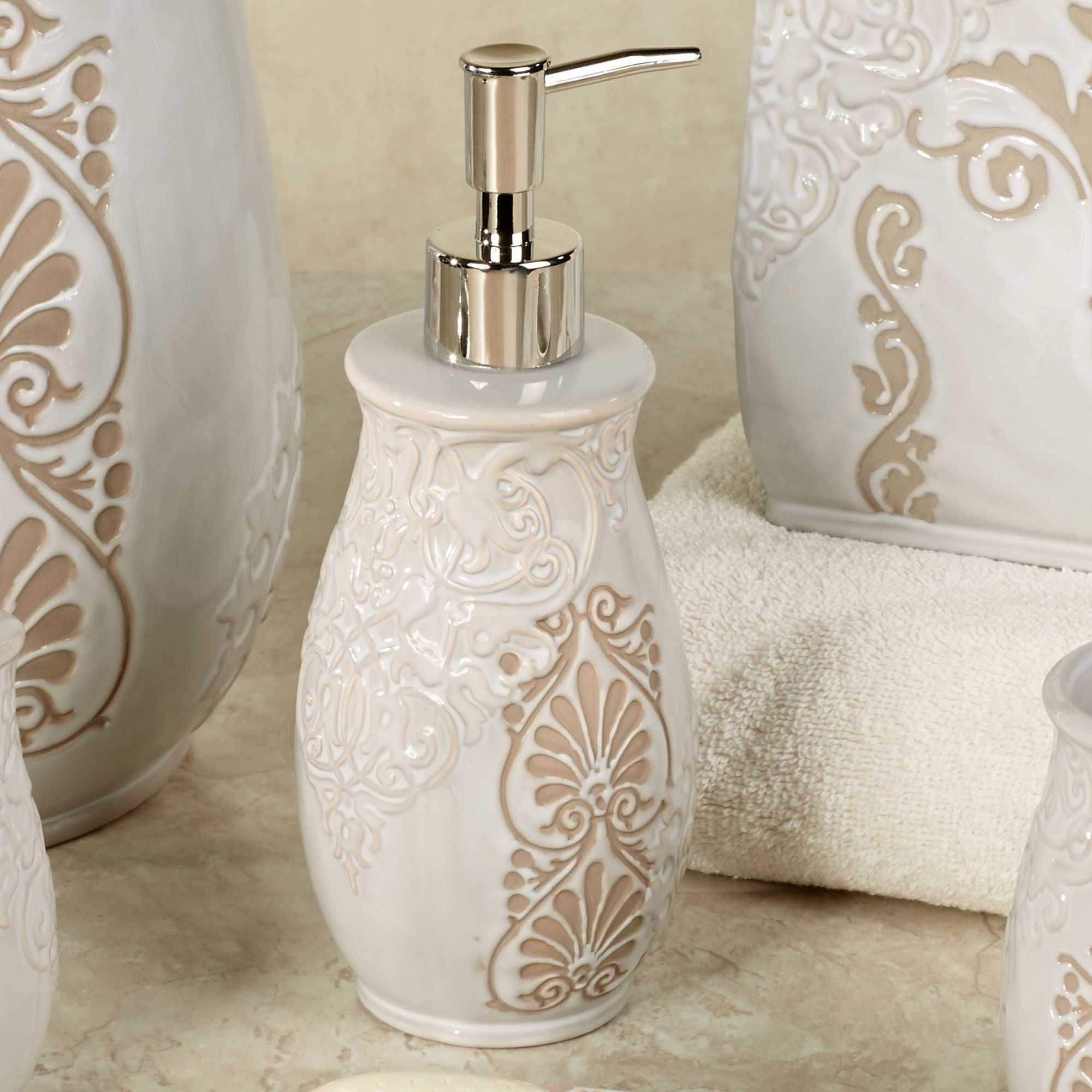 Nicole Miller Bath Accessories Sets Wild At Heart Set And