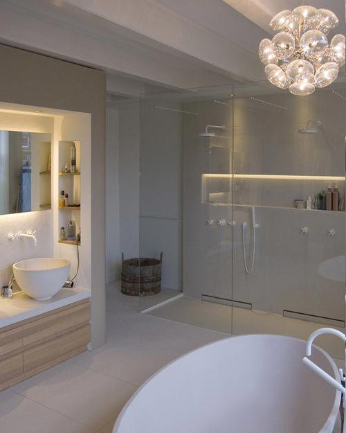 Kleine inbouw plank idee met verlichting achter douche. | Badkamer ...
