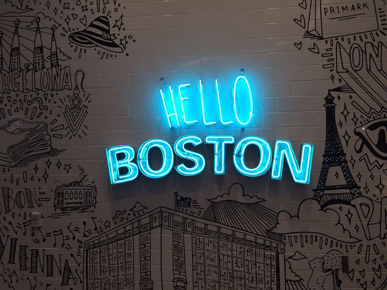 Hello, Primark! Letreiro em neon da primeira Primark dos Estados Unidos. Fotos no dia da inauguração no blog :)