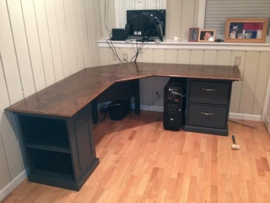 Custom Corner Desk with drawers, pullout keyboard and ...