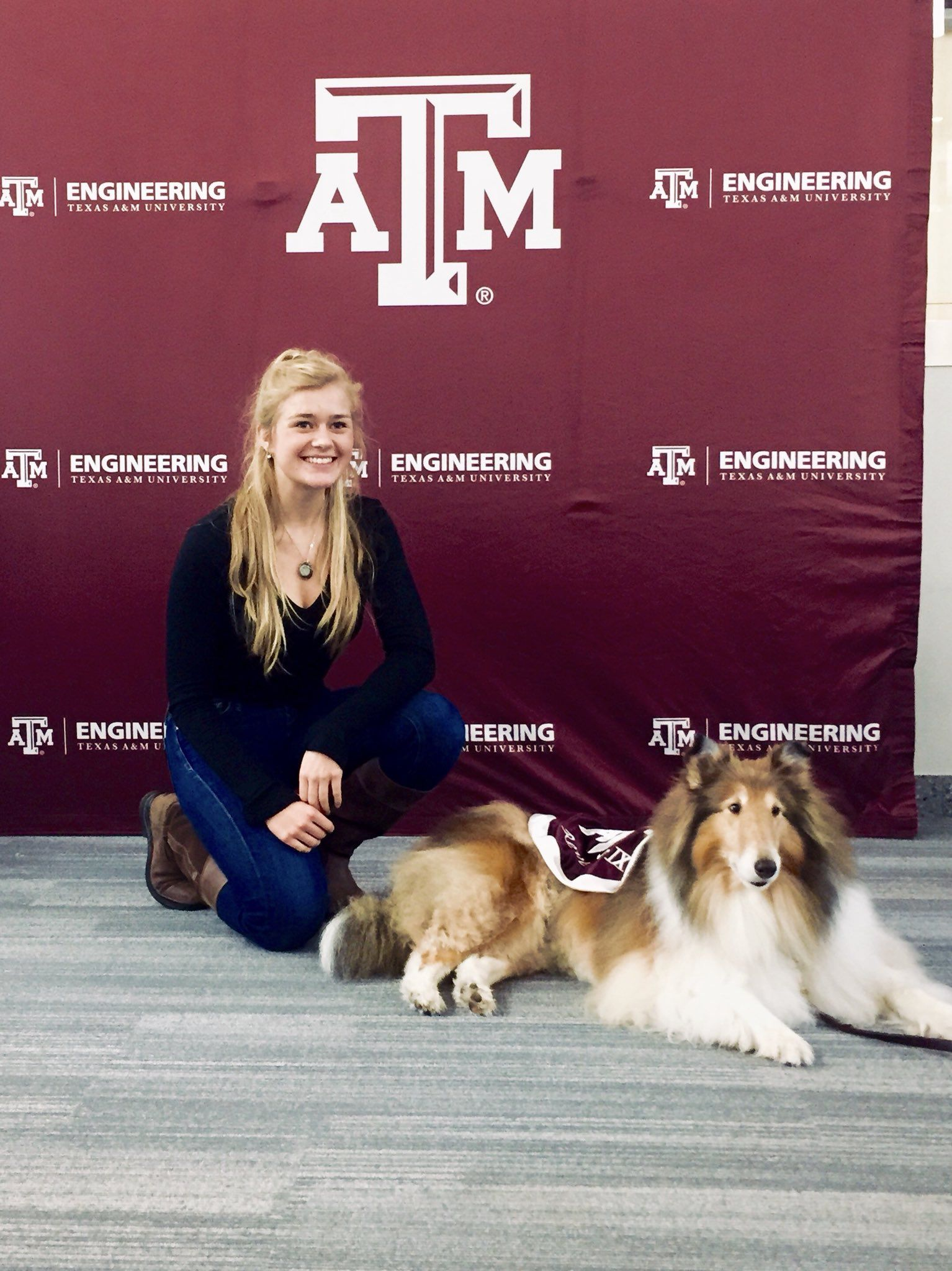 The Gorgeous Lady Rev Enjoying Time W One Of Her Aggies Best Dogs Border Collie Pup